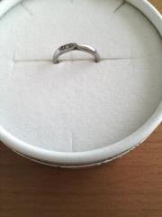 【銀座ダイヤモンドシライシの口コミ】 結婚指輪にしては、デザイン性があって他の指輪とセットにもしやすいので気…