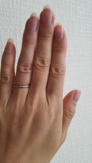 【LUCIE(ルシエ)の口コミ】 毎日つけるものなのでシンプルで細みの指輪を希望していました。普通の指…