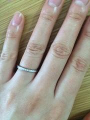 【LiAnge(リアンジェ)の口コミ】 シンプルでシルバーの結婚指輪を探していて、元々あまりきれいめなリングは…