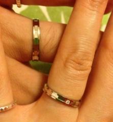 【True Love(トゥルーラブ)の口コミ】 私の指は細いので、細みの指輪が良かったのですが、主人の指は細身ではない…
