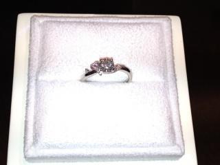 【LUCIE(ルシエ)の口コミ】 デザイナーさんが私の要望を取り入れてくれた、ハート型とピンクダイヤを使…