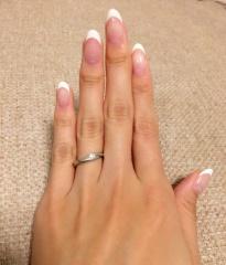 【スタージュエリー(STAR JEWELRY)の口コミ】 婚約指輪のような少し大きめのダイヤで、かつ普段使いできるような結婚指…