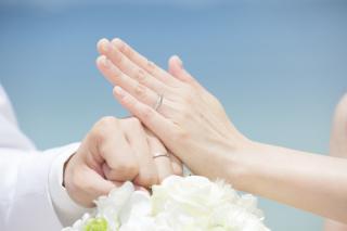 【俄(にわか)の口コミ】 結婚情報誌やサイトである程度の候補は絞っていました。ダイヤの入り方やリ…
