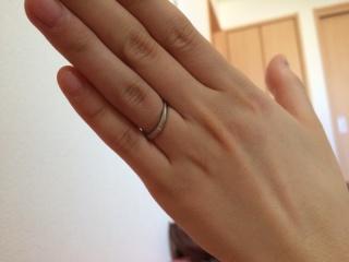【アイプリモ(I-PRIMO)の口コミ】 結婚指輪はシンプルなデザインで形が綺麗なものにこだわりました。 婚約指…