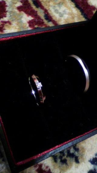【ラザール ダイヤモンド(LAZARE DIAMOND)の口コミ】 変形しにくいプラチナの「鍛造」で初めから結婚指輪を探しておりました。プ…
