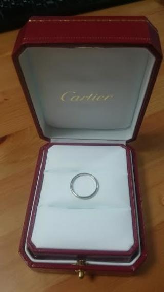 【カルティエ(Cartier)の口コミ】 家事をするにも邪魔にならず、どんな服装にも合うシンプルなリングを探して…
