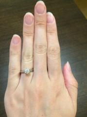【ティファニー(Tiffany & Co.)の口コミ】 婚約指輪は、昔から憧れていたティファニーのセッティングに決めていました…