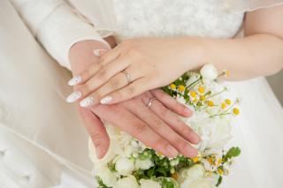 【俄(にわか)の口コミ】 デザインがシンプルなのと、春に結婚したので初桜という名前がとても気に入…