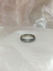 【アイプリモ(I-PRIMO)の口コミ】 婚約指輪を初めに決めていて、セットでつけた時に合いそうな物を選びました…