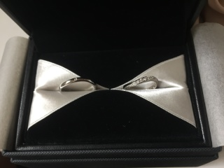 【エクセルコダイヤモンド(EXELCO DIAMOND)の口コミ】 ダイヤが端まで入っていて 綺麗だった 自然なウェーブ感があり 端もミル…