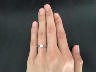 【アイプリモ(I-PRIMO)の口コミ】 エッジのあるスタイリッシュなアームとダイヤの輝きとの調和が見事で、そ…