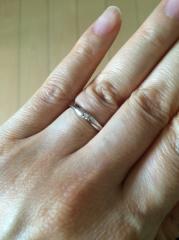 【4℃(ヨンドシー)の口コミ】 シンプルな指輪をさがして、何件か見て回りましたが、一番自分の理想にあっ…
