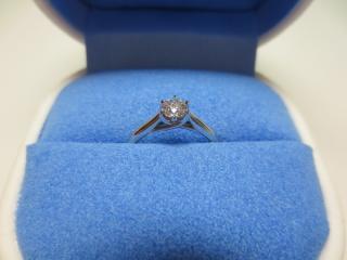 【銀座ダイヤモンドシライシの口コミ】 ダイヤモンドが綺麗であったことと、指輪のデザインが可愛らしかったことで…