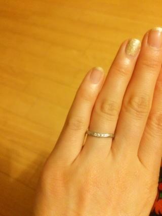 【MAHARAJA DIAMOND(マハラジャダイヤモンド)の口コミ】 ずばりデザインと金額。こだわりは無かったのですが、ややウェーブ気味の方…