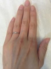【カルティエ(Cartier)の口コミ】 結婚指輪は毎日つけたいと思ったので、邪魔にならないでシンプルなものを…