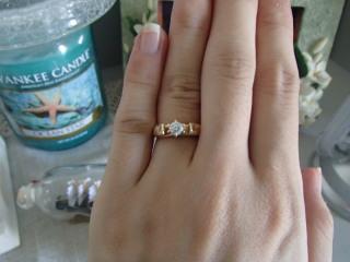 【レザンジュの口コミ】 主人はハワイでプロポーズの際にサプライズしたかったそうですが指が細く二…