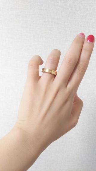 【ブルガリ(BVLGARI)の口コミ】 シンプルなデザインですが、存在感があり気に入りました。結婚指輪という…