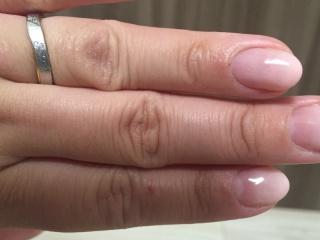 【ケイウノ ブライダル(K.UNO BRIDAL)の口コミ】 既製品では自分の指にしっくりこず、このメーカーはサイズが0.5から変更で…