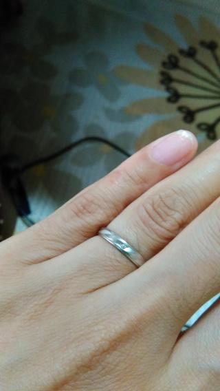 【Something Blue(サムシングブルー)の口コミ】 結婚指輪を探している時、ダイヤが付いているのが欲しかったのですが、結婚…