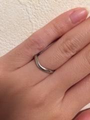 【ティファニー(Tiffany & Co.)の口コミ】 ダイヤが見えていない、だけどただのループの指輪のデザインでは嫌。それ…