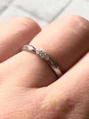 【アイプリモ(I-PRIMO)の口コミ】 シンプルな指輪が多い中で、主張しすぎないけれど個性のあるデザインに惹…