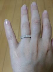 【TASAKI(タサキ)の口コミ】 決めては、ハーフエタニティであることです。 仕事柄、あまり指に注目され…
