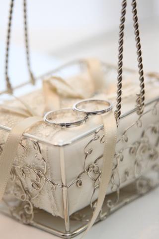 【カルティエ(Cartier)の口コミ】 シンプルなデザインと価格、素材、ネームバリューです。毎日つけるもののた…