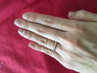 【CHRISTIAN BAUER(クリスチャンバウアー)の口コミ】 やはり日常使う結婚指輪にもダイヤモンドが入っていて欲しかったので数粒…