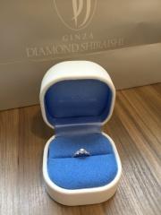 【銀座ダイヤモンドシライシの口コミ】 コンシェルジェの方が私の好みを聞いて選んできてくれた指輪でした。当時…