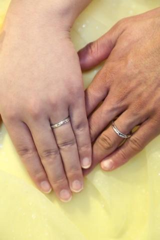 【宝寿堂(ほうじゅどう)の口コミ】 主人の指は、細くて、節が太く、さらに水かきが大きかったため、 指輪が回…
