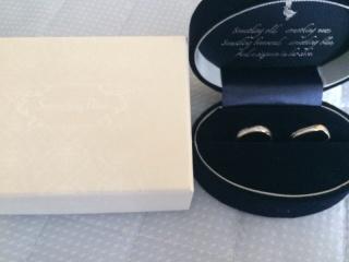 【Something Blue(サムシングブルー)の口コミ】 普段から指輪をしない二人なので過度なダイヤモンドでキラキラではなく控…