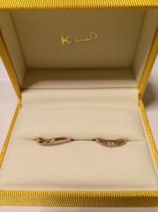 【ケイウノ ブライダル(K.UNO BRIDAL)の口コミ】 とにかく細くて華奢なデザインの指輪が欲しくて、デザイナーさんにお願いし…