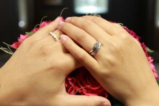 【ブシュロン(BOUCHERON)の口コミ】 結婚指輪は毎日つけるものなので、一般的なシンプルなシルバーのものよりも…
