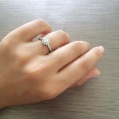 【ヴァン クリーフ&アーペル(Van Cleef & Arpels)の口コミ】 私は昔フランスで生活をしていたこともあり、最初からヴァンクリーフの指輪…