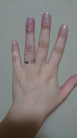 【DEAREST(ディアレスト)の口コミ】 価格が手頃だったのと主人と私の意見が一致したのでこの指輪に決めました…