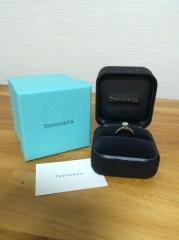 【ティファニー(Tiffany & Co.)の口コミ】 昔から「婚約指輪と言えばティファニー!」という憧れがあったので、ブラン…