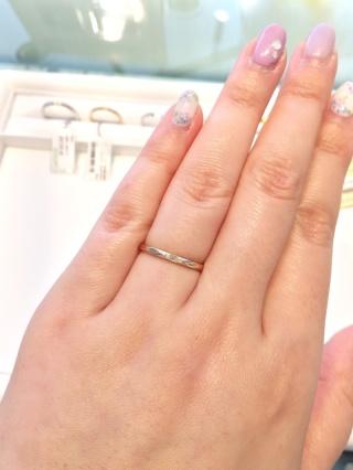 【Joyeux(ジョワイユ)の口コミ】 アンティーク風のエンゲージリングを購入したので、それに合う指輪を探し…