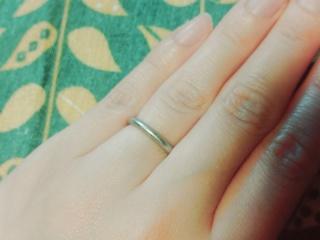 【LAGUNACUORE(ラグナクオーレ)の口コミ】 まずシンプルなプラチナの指輪がいいという前提を頭にいれ悩んでいたとこ…