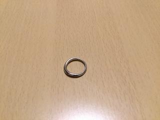 【アイプリモ(I-PRIMO)の口コミ】 婚約指輪と重ねて付けたいというのが私の希望だったので、婚約指輪と同じ形…