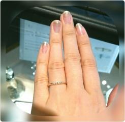 【SIENAROSE(シエナロゼ)の口コミ】 ネットで見て、一番気になっていたロゼチナの指輪。 色味のよさとデザイン…
