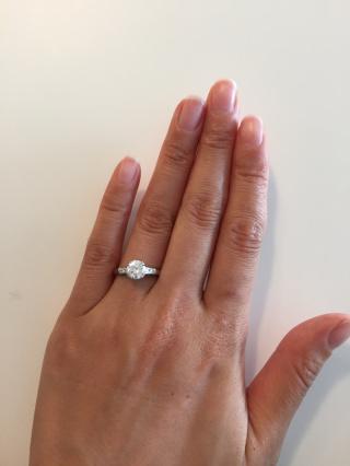 【ハリー・ウィンストン(Harry Winston)の口コミ】 婚約指輪はプロポーズの時に彼がすでに購入してくれていたので、自分で選…