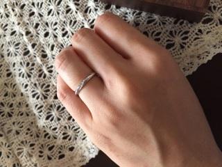 【Ponte Vecchio(ポンテヴェキオ)の口コミ】 婚約指輪をこちらで購入したのでやはり同じブランドの方が馴染みやすいと…