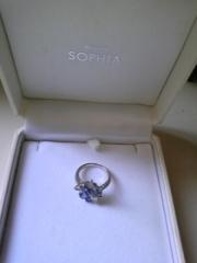 【festaria bijou SOPHIA(フェスタリア ビジュソフィア)の口コミ】 ブルーサファイアがとても美しくて一目ぼれでした! はめてみると、指を細…