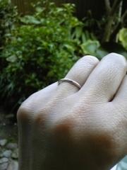 【スタージュエリー(STAR JEWELRY)の口コミ】 常に身に着ける指輪なので、飽きがこないデザインを選びました。 シンプル…