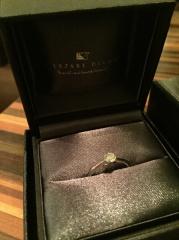 【ラザール ダイヤモンド(LAZARE DIAMOND)の口コミ】 婚約指輪は、枠とダイヤをそれぞれ別に選びます。まず、たくさんあるある…