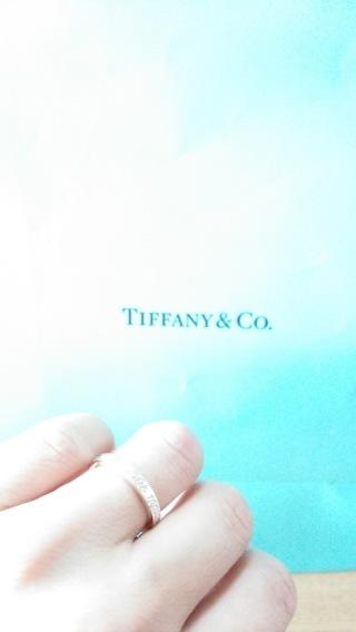【ティファニー(Tiffany & Co.)の口コミ】 価格は結婚指輪にしてはとても安いものですが、今後の生活や子供にかかる…
