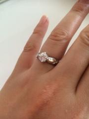 【シャネル(CHANEL)の口コミ】 ダイヤモンドのカットの美しさと輝き。シンプルなデザインながら、しっか…