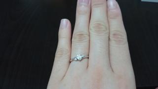 【ヴァンドーム青山(Vendome Aoyama)の口コミ】 指輪をはめた瞬間、自分の指にしっくりした感じがあり、付け心地がよかっ…