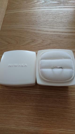 【俄(にわか)の口コミ】 指輪を選ぶときに好きなデザインが2つあって迷ったけれど、初桜は実際に着…