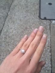 【カルティエ(Cartier)の口コミ】 パヴェタイプの指輪を探していました。 色々と試着した中でもこちらが一番…